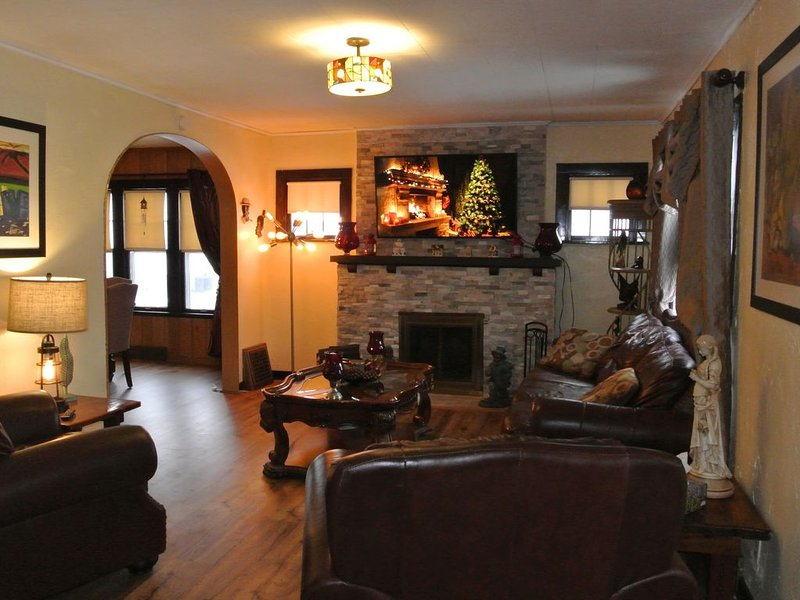 Cape Cod House In Two Rivers, Near The Beach And Lambeau Field, vacation rental in Two Rivers