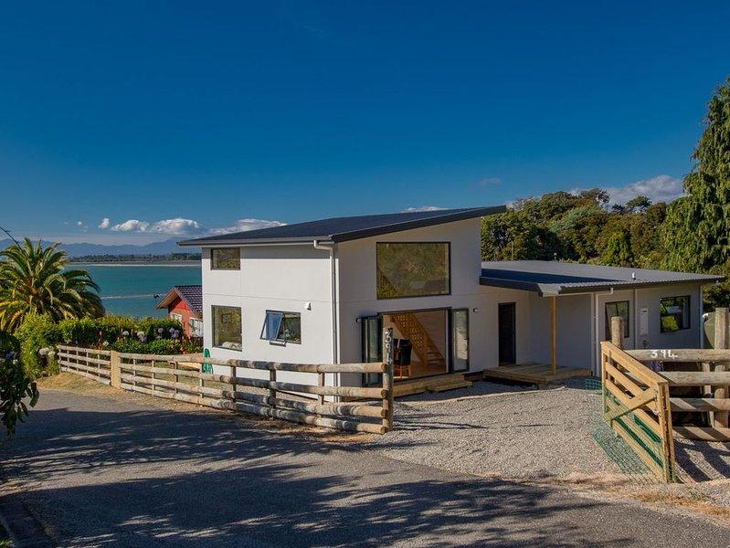 Tapu Bay Treasure - Kaiteriteri Holiday Home, vacation rental in Tasman