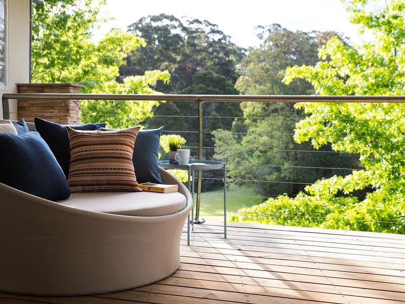Lake Daylesford Lodge 5 - Gorgeous Accommodation for up to four guests, alquiler de vacaciones en Eganstown
