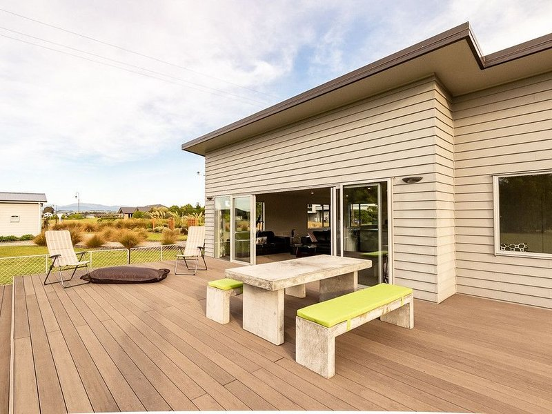 Poppa Pete's - Te Anau Holiday Home, holiday rental in Te Anau
