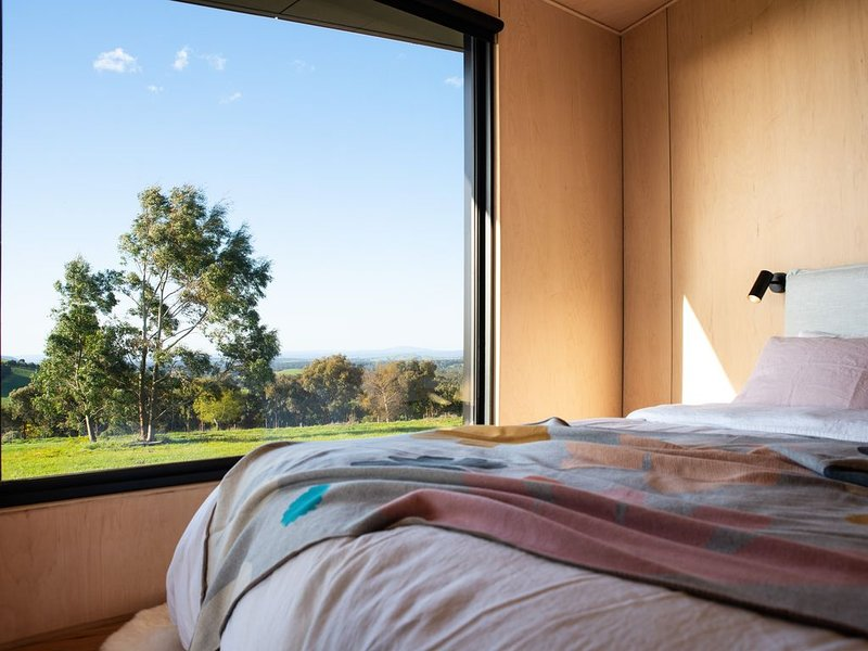 Lumella - Stunning Architect Designed Getaway for two, holiday rental in Trentham