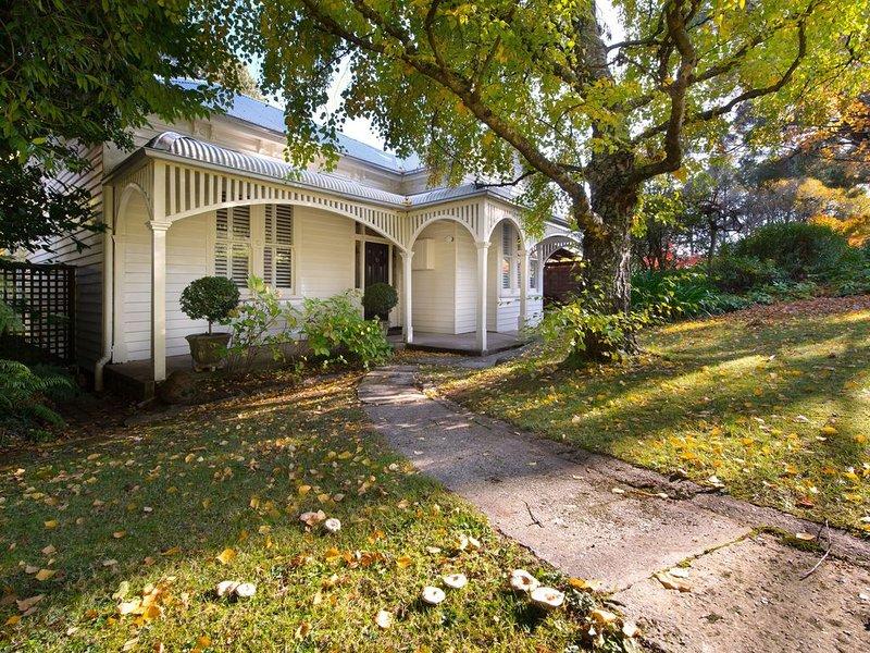 Beecroft House - Stunning Edwardian Home in central Daylesford, vacation rental in Daylesford