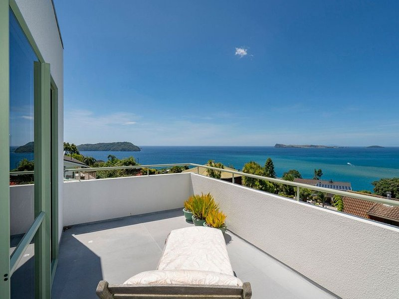 Picturesque on Paku - Tairua Holiday Home, vacation rental in Tairua