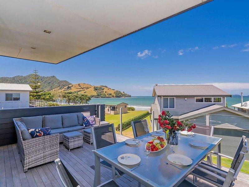 Breezy Views - Simpsons Beach Holiday Home, vacation rental in Kuaotunu