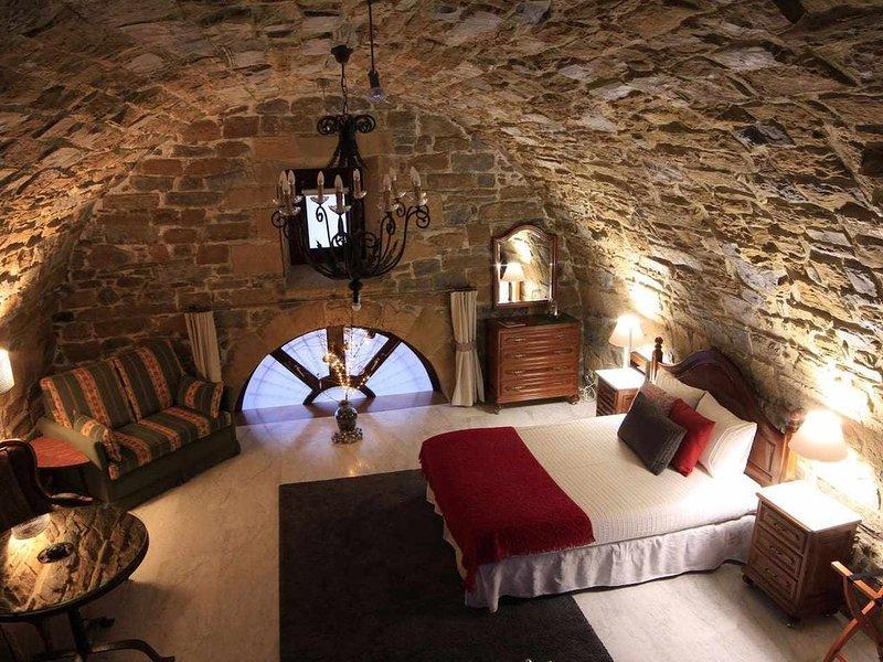 HARRITARTE apartamento especial en el corazón de Getaria, P incluido KABIAN, holiday rental in Deba