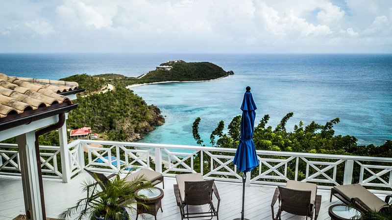 Villa Zusammen- Gorgeous Views Above Klein Bay!, alquiler de vacaciones en Caneel Bay