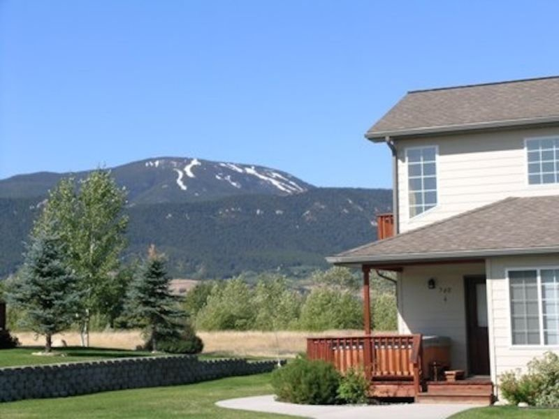 Beartooth Montana Getaway ~ Sleeps 10 ~ Located in Red Lodge, MT, vacation rental in Red Lodge