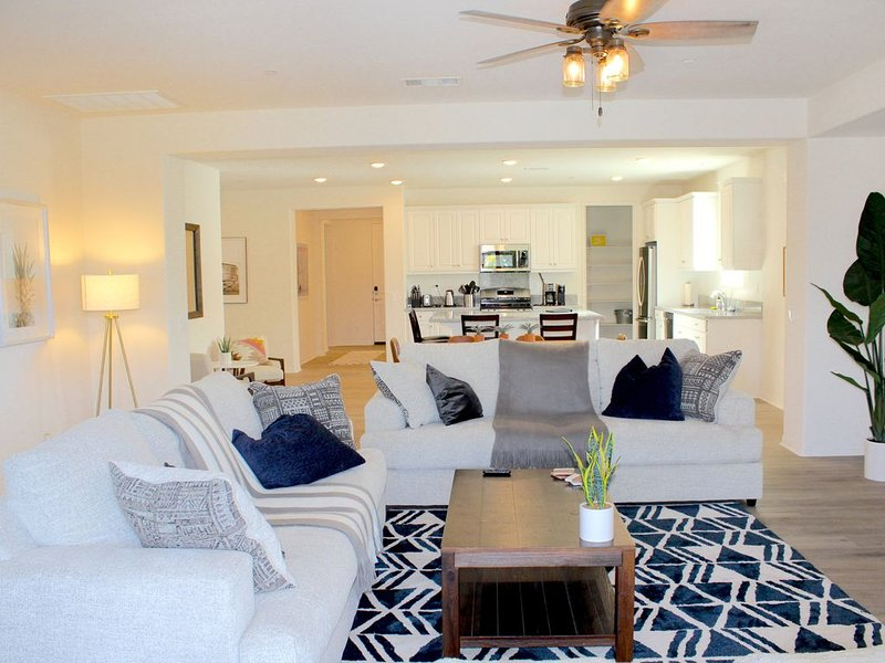 New Luxury Home - Perfect location to Festivals & More!, holiday rental in Coachella