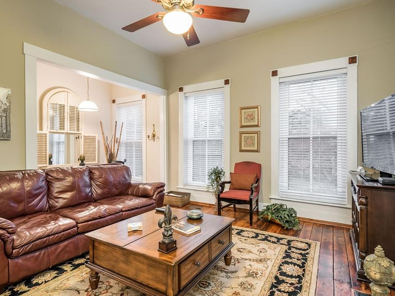 Magnolia Place - 1 mile to Downtown - Historic Preservation District!, vacation rental in Louisville