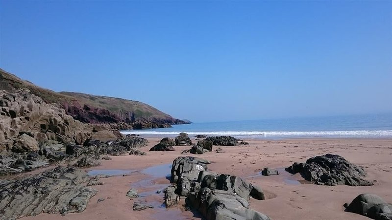 34 Freshwater Bay, FRESHWATER EAST, holiday rental in Stackpole