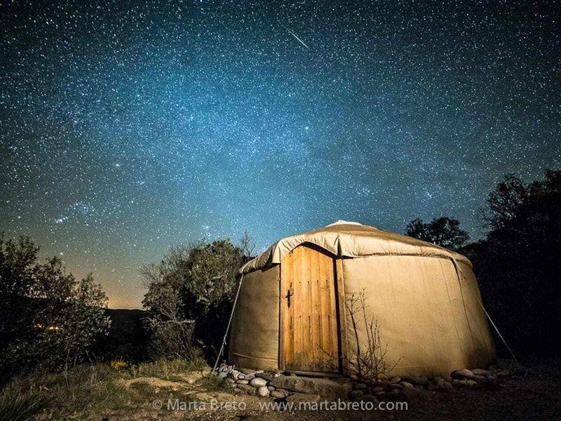 Yurta en la naturaleza, con vistas al Congost de Mont-Rebei, holiday rental in Guardia de Noguera