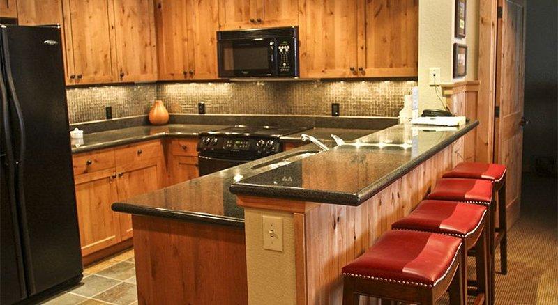 Morning Eagle 211 is a deluxe 3-bedroom, 3-bath beautifully decorated property, alquiler de vacaciones en Polebridge