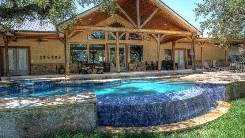 Fryars' Villa (Formerly 'Strait Up on the Frio') * Frio Premier Rental Homes, vacation rental in Sabinal