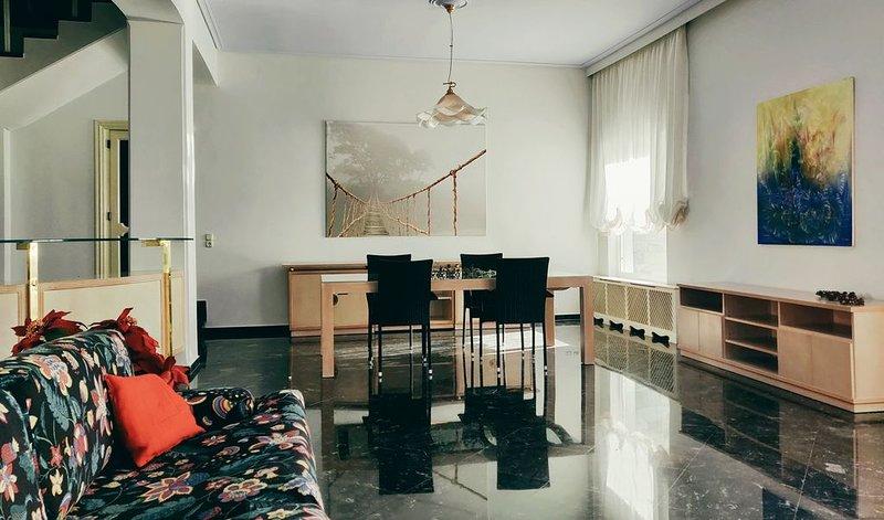 Bright, serene & elegant home, aluguéis de temporada em Pilio