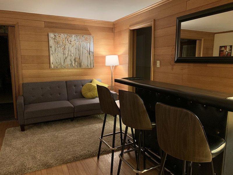 Retro Inspired Ranch Home, casa vacanza a New Glarus