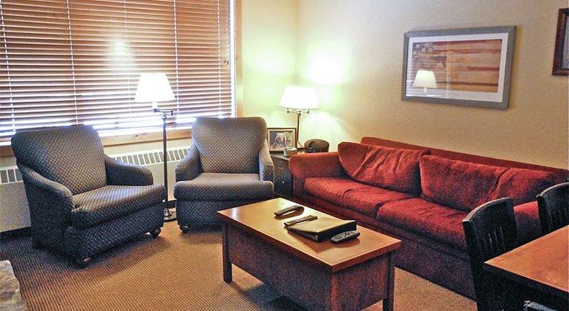 Slope Side Condo w/ Plenty of Room, alquiler de vacaciones en Polebridge