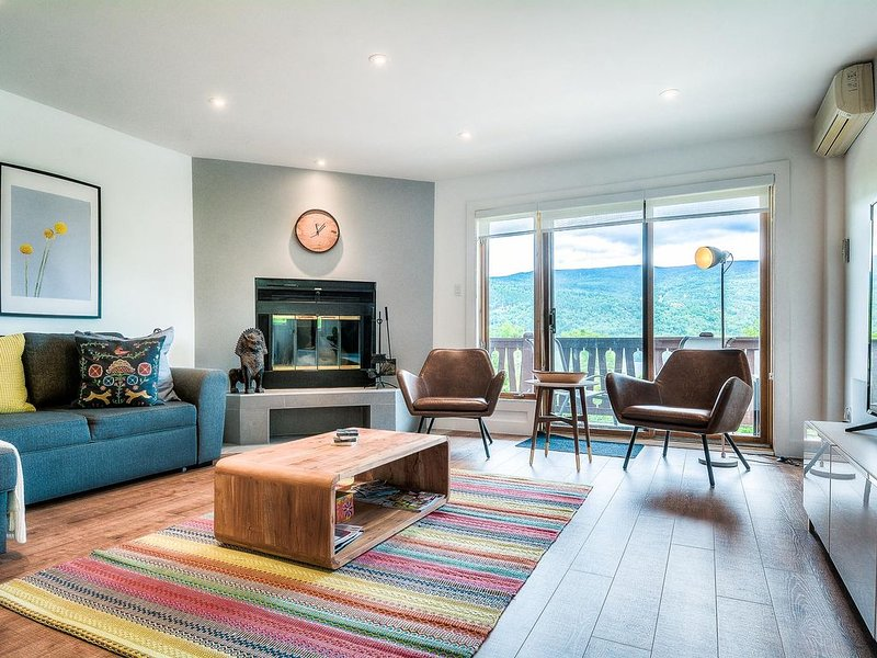 Lakeside condo with breathtaking views of Tremblant, alquiler vacacional en Mont Tremblant