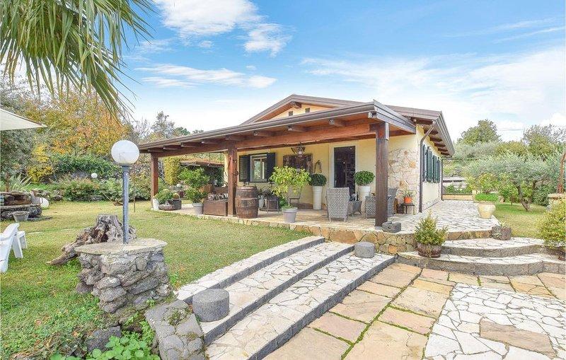 1 Zimmer Unterkunft in Piedimonte Etneo, location de vacances à Piedimonte Etneo