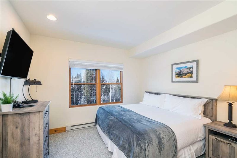 Flexible Cancellations - Clean and Quiet Room for 4 With Perks in Telluride's Mo, location de vacances à Mountain Village