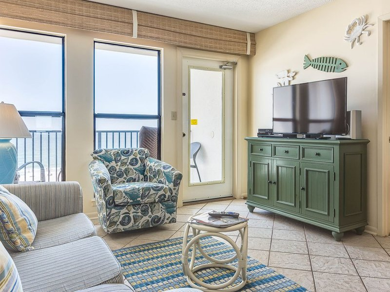 Family-friendly & gulf front condo w/marvelous Gulf views & shared pool!, alquiler de vacaciones en Gulf Shores