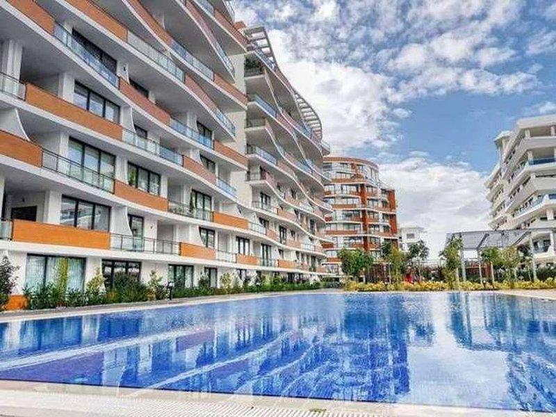 Kyrenia FEO Elegance 2 Bedroom Apartment, holiday rental in Karmi
