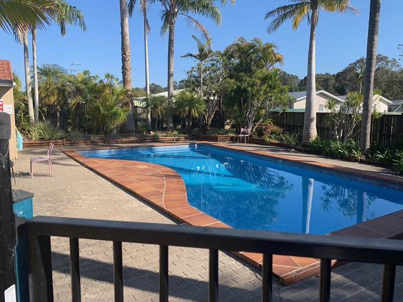 3 bedroom townhouse just a short stroll from the beach, casa vacanza a Taree
