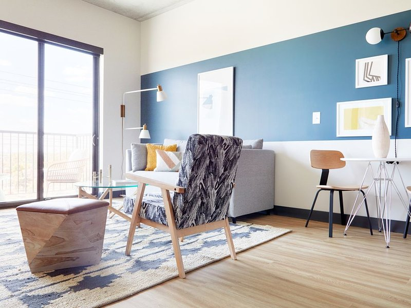 Sonder | Mill Ave | Dreamy 1BR + Sofa Bed, holiday rental in Tempe