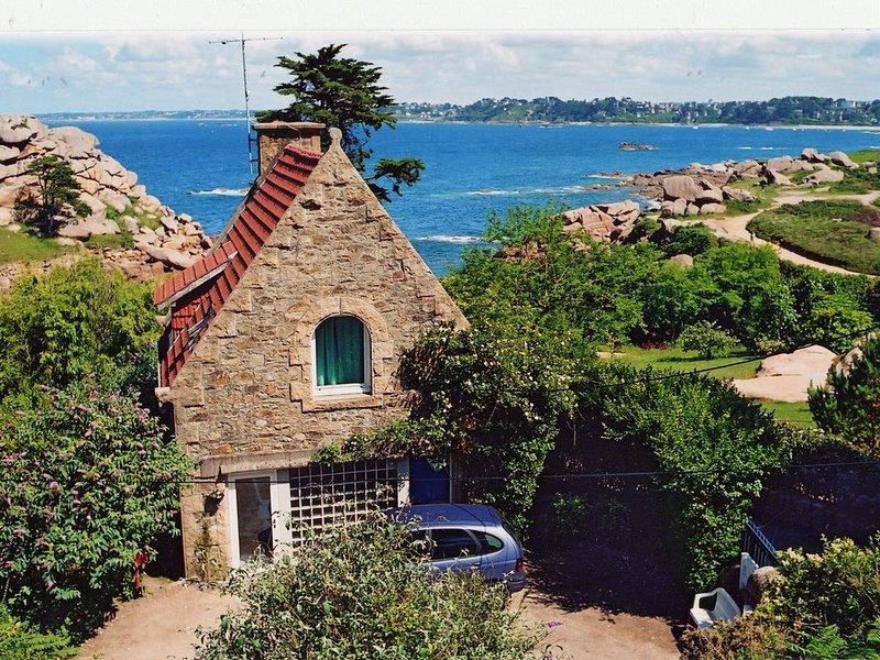 Vue mer Côte Granit Rose maison 4 pers. entièrement rénovée, holiday rental in Perros-Guirec