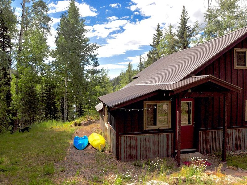 Lakeside Adventurer's Cabin, holiday rental in Durango Mountain