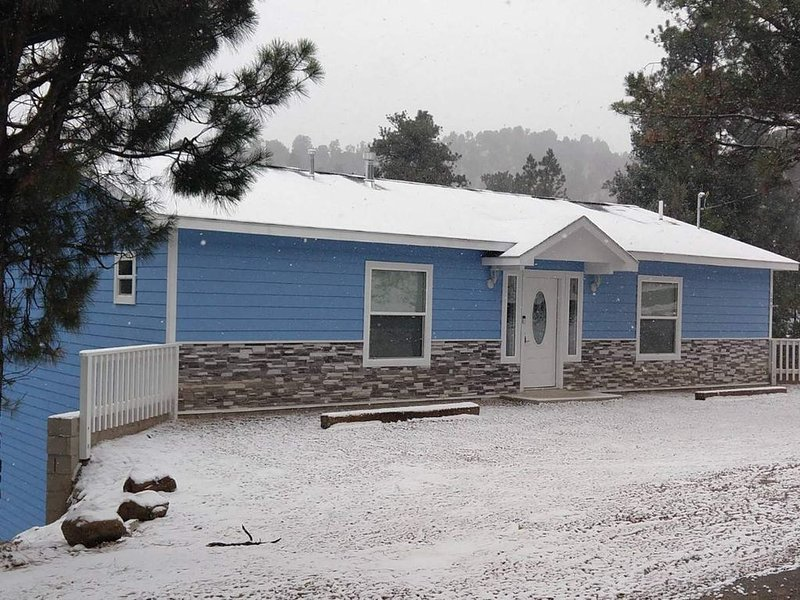 *Perfect Winter Getaway* with a great mountain view!, vacation rental in Ruidoso