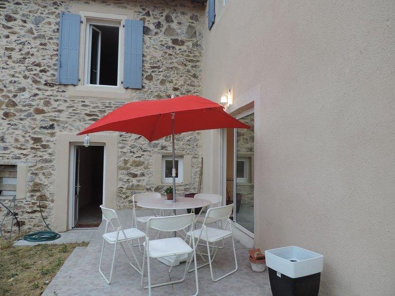 Gîte à la Campagne , idéal pour les familles, holiday rental in Montirat