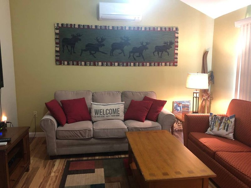 Close to all the area skiing spots & great wifi so great for remote working., vacation rental in Bartlett