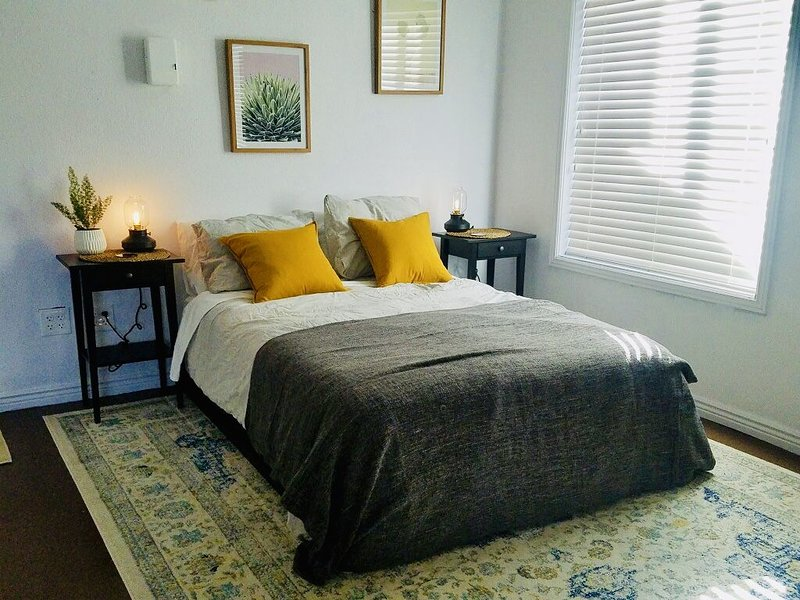 Rest & Recoup - Private Suite w/Gym & Sauna - A Mile to 70 West/East, holiday rental in Wheat Ridge