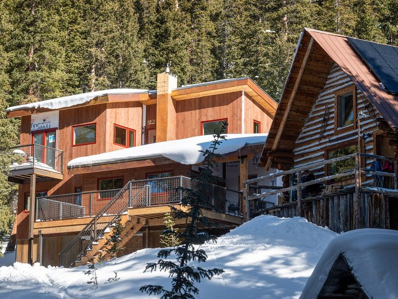 Mount Hayden Backcountry Lodge, Imogene Pass to Telluride jeep trail, holiday rental in Ouray