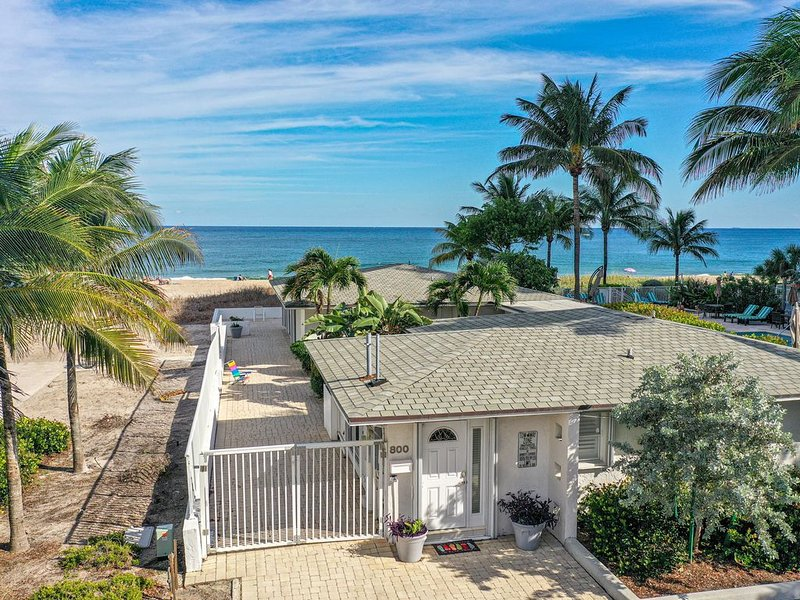 Glorious Private  Direct Oceanfront Beach House!, holiday rental in Pompano Beach