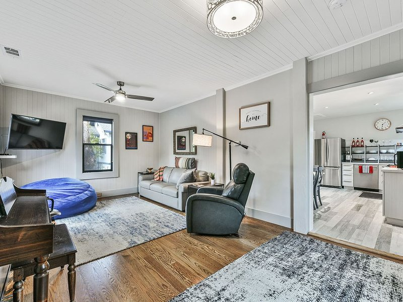 Ultra Comfy, Quiet, Bright, Private Perch in Central Marin!, holiday rental in Fairfax
