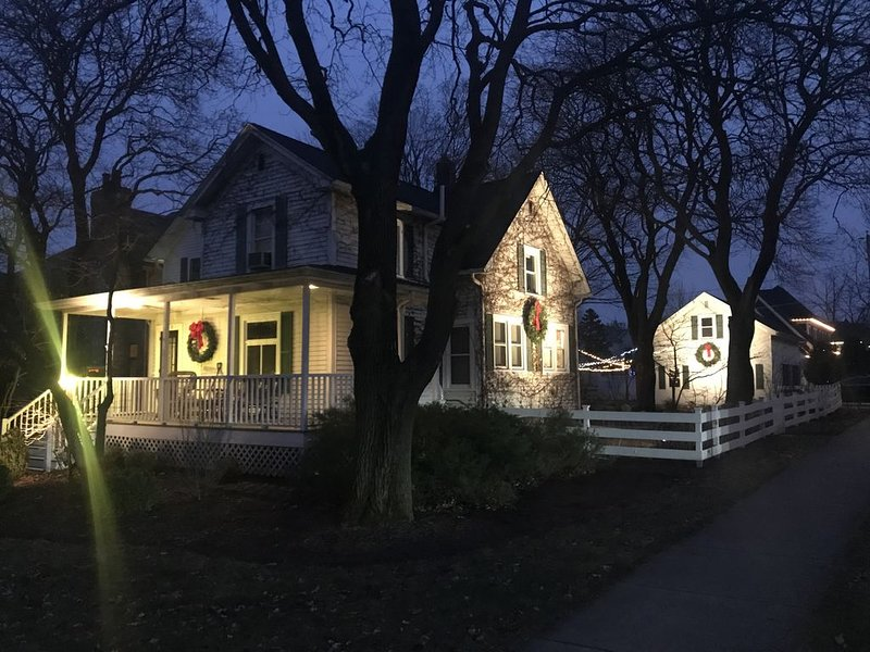 Historic Downtown Naperville, holiday rental in Downers Grove