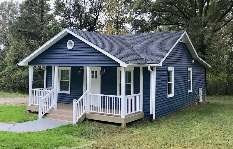 The Davidson Blue Cottage, vacation rental in Concord