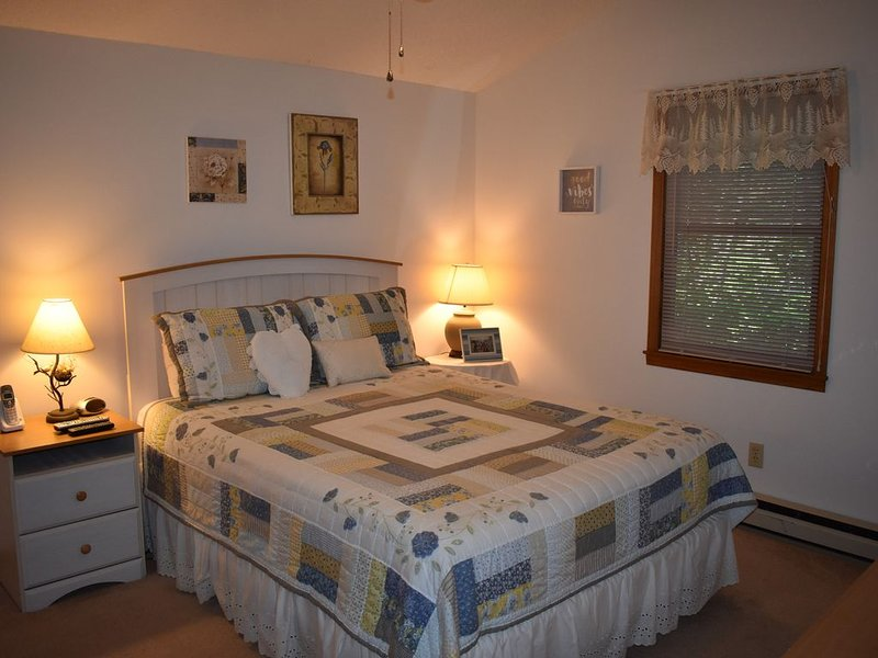 My Happy Place- One Level Living with Two Bedrooms and Two Bath!, holiday rental in Jonas Ridge