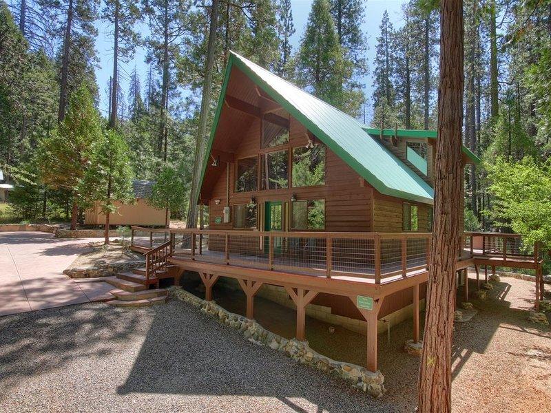 3 Springs Hideout!  Beautifully updated and modern cabin INSIDE Yosemite. Entran, alquiler de vacaciones en Parque Nacional de Yosemite
