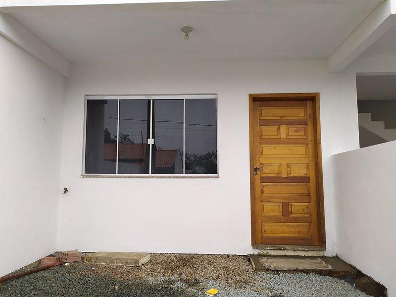 Casa aconchegante para 5 pessoas, alquiler vacacional en Porto Belo