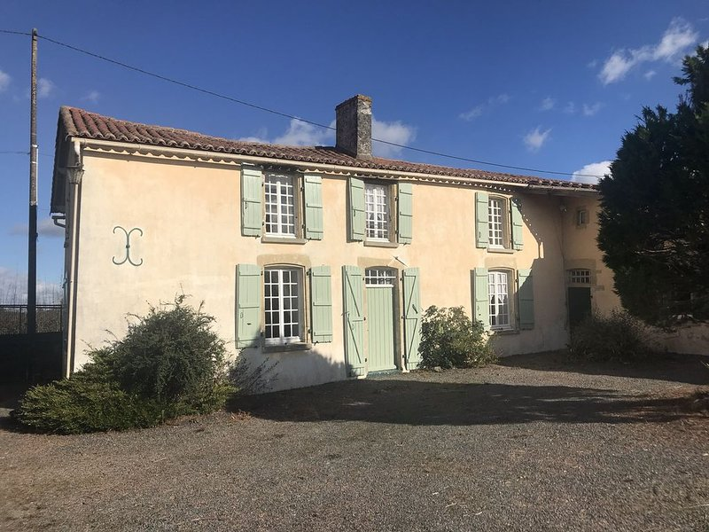 17th century farmhouse gite. Situated next   to the artisan village of vouvant., holiday rental in Vouvant