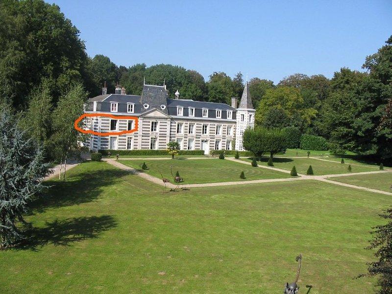 Une vie de château, à 10 km de la mer, casa vacanza a Montivilliers