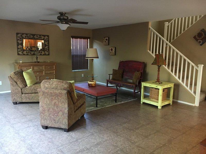 Stunning 3 BDRM Maricopa House, holiday rental in Maricopa