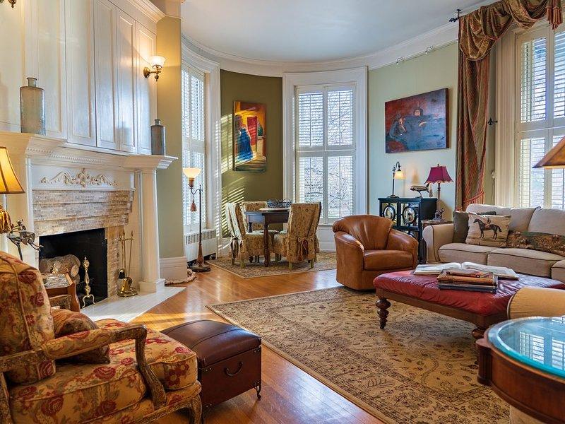 Historic Mansion in National Trust Neighborhood of Cherokee Triangle, alquiler vacacional en Buechel