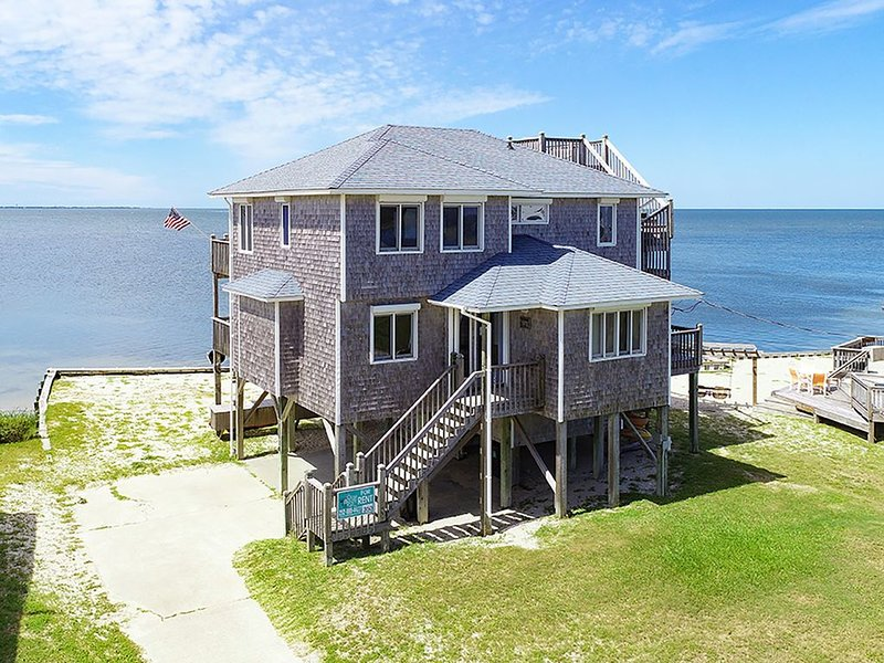 Baywatch - Fresh 3 Bedroom SoundFront Home in Frisco, holiday rental in Frisco