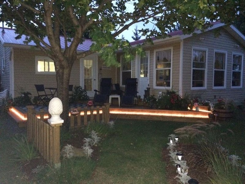 Serenity Seascape Cottage, vacation rental in Savage Harbour