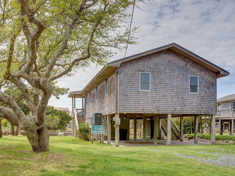 Steer - Upscale 3 Bedroom Canalfront Home in Frisco, holiday rental in Frisco