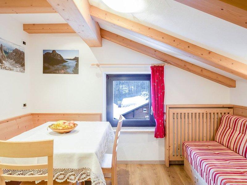 Rustikales Apartment in der Nähe von Skigebieten mit WLAN, Garten und Terrasse, Ferienwohnung in La Villa
