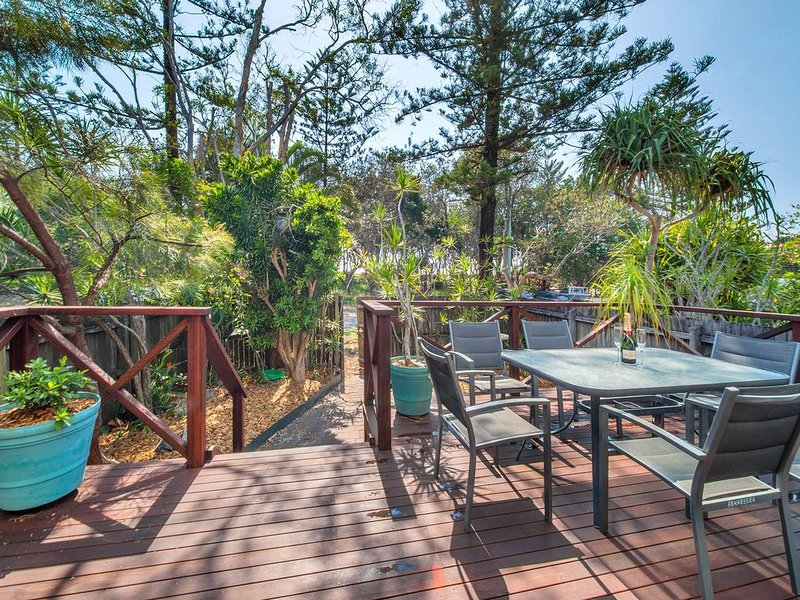 'Hennessea' - hosted by North Coast Lifestyle Properties, holiday rental in The Pocket